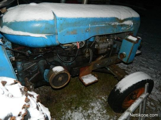 1957 Fordson Major Diesel Tractor : Fordson moottori vikainen major diesel tractors