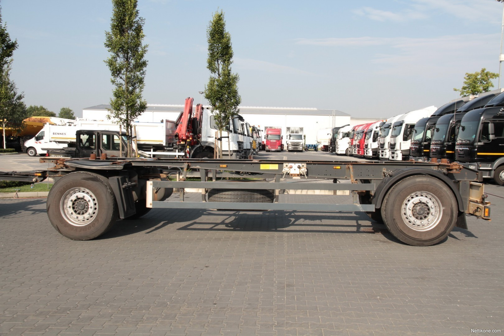 Previous Next Schmitz 2 AXLE TRAILER GOTHA