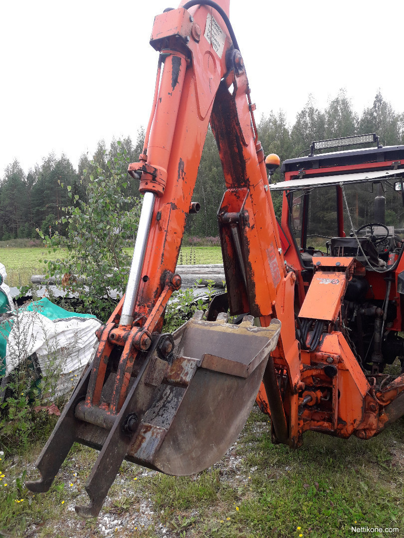 Kaivuri Traktorin Perään